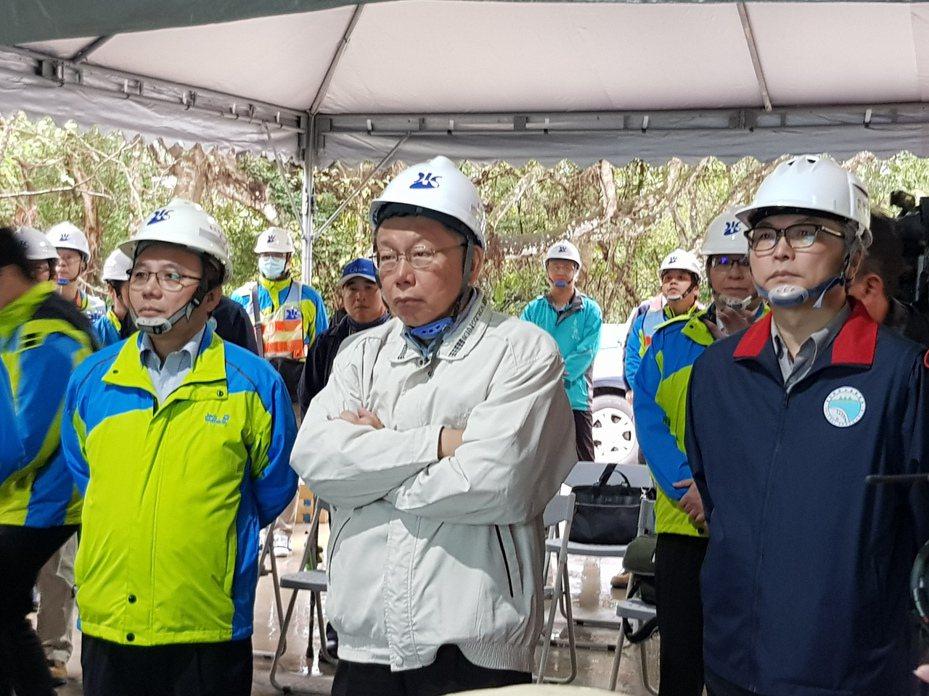台北市長柯文哲今早出席翡翠原水管工程開挖進洞儀式並受訪。記者翁浩然/攝影