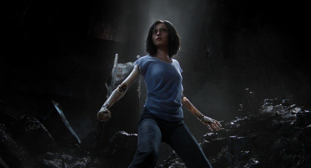 「艾莉塔:戰鬥天使」。圖/福斯提供