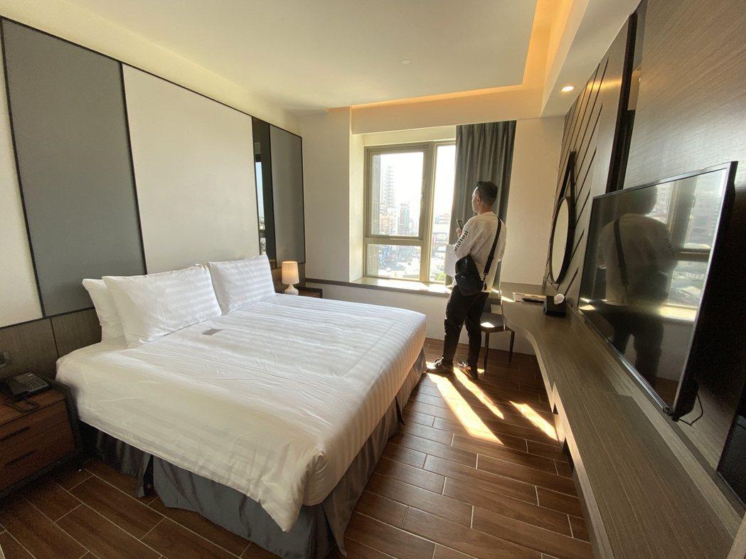 Hotel A的雙人房標準房型。記者修瑞瑩/攝影