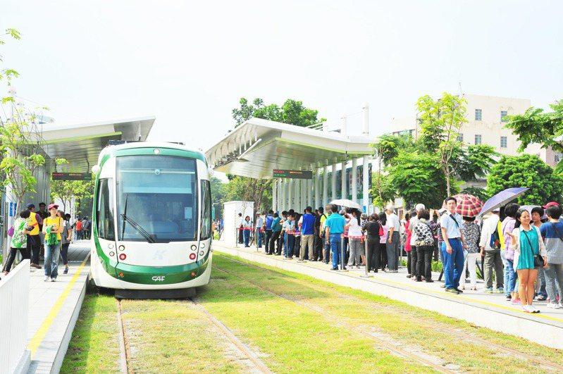 高雄輕軌已達成千萬人次搭乘。圖/高捷公司提供