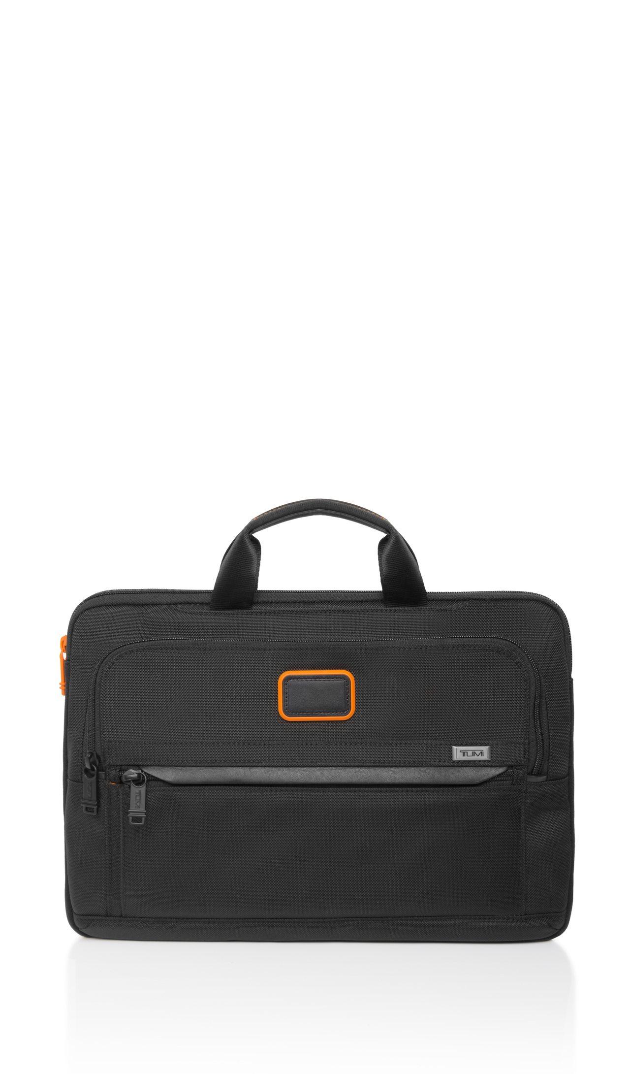 TUMI與Chris Pratt聯名系列筆電收納包,7,400元。圖/TUMI提...