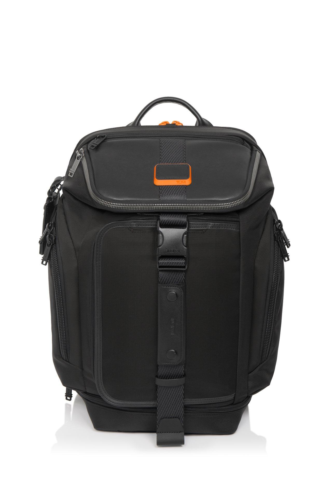 TUMI與Chris Pratt聯名系列兩用後背包,21,500元。圖/TUMI...