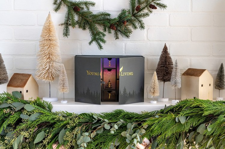 悠樂芳推出「北極光新年香氛月曆」/建議售價10,090元。圖/悠樂芳提供