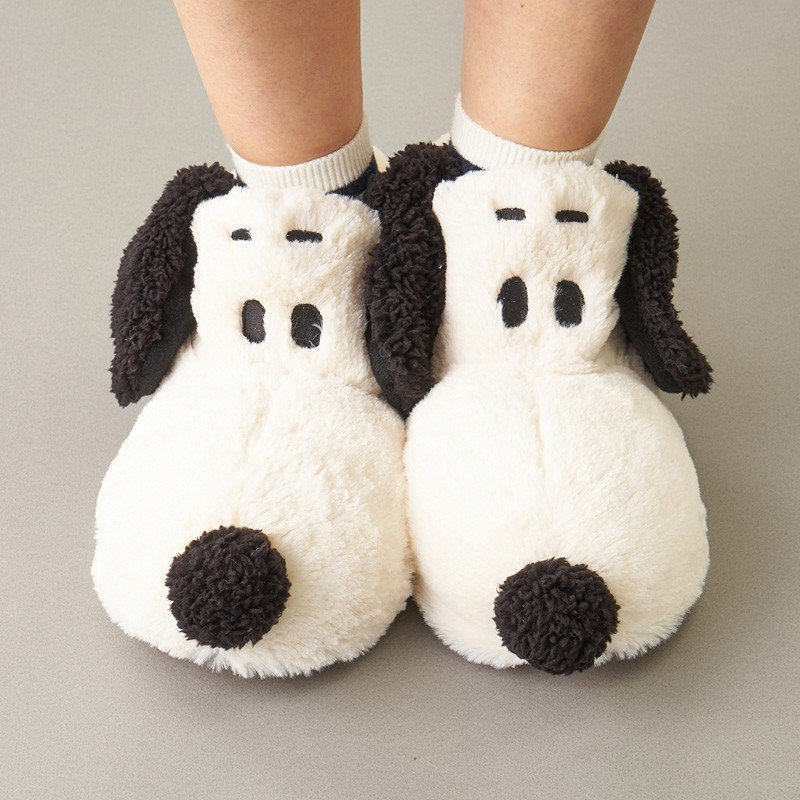 超萌「史努比室內拖鞋」成功吸引粉絲目光。圖/取自PLAZA