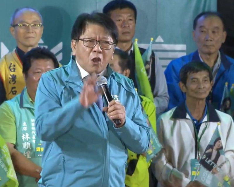 屏東縣長潘孟安今晚為蘇震清站台呼籲選民支持,期待蔡英文要在屏東衝出最高得票率。記者翁禎霞/翻攝