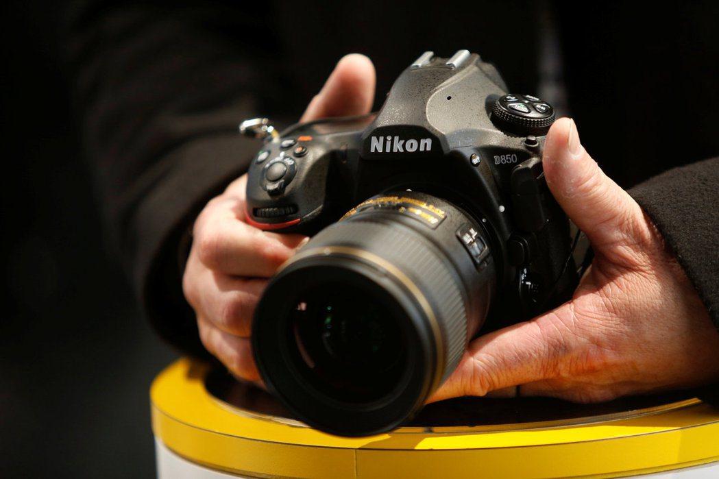 Nikon今年度在全球的數位相機銷量預估將輸給Sony。圖為Nikon 2018...