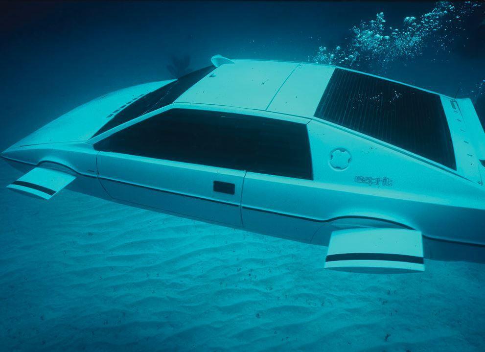 拍攝龐德電影的蓮花Esprit跑車。網路照片