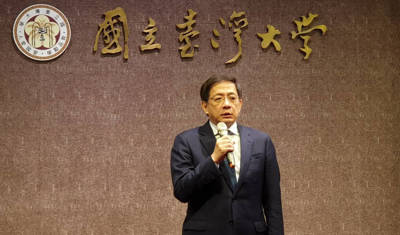 台大校長管中閔說明,共有489名香港學生申請至台大訪問。記者陳煜彬/攝影