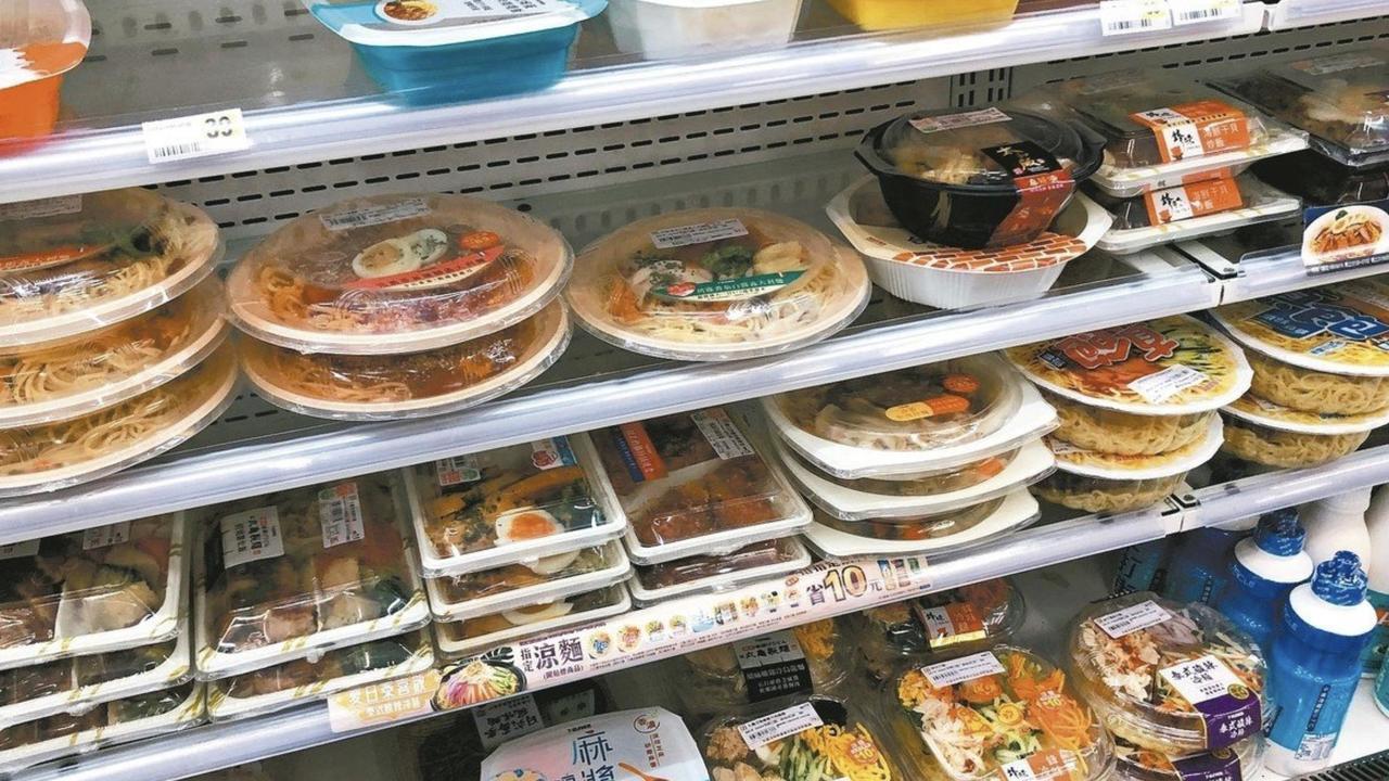 台中市安心餐券面額50元,議員指物價不斷上漲,應該調整。記者陳秋雲/攝影