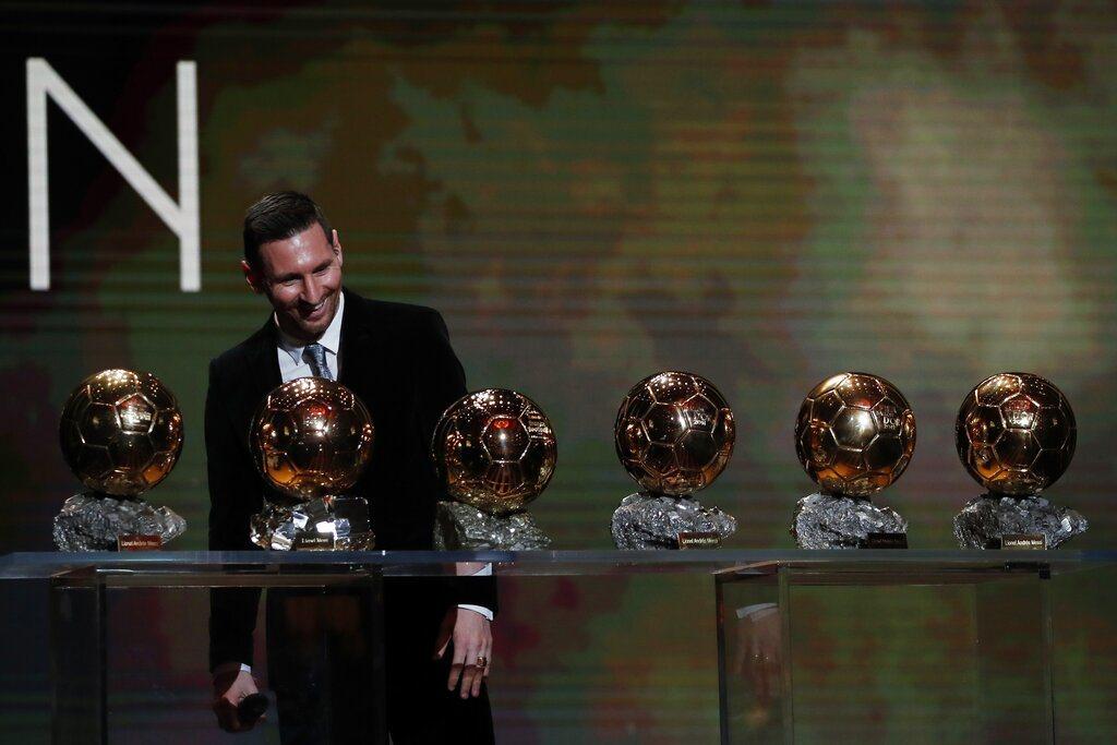 32歲的阿根廷球王梅西(Lionel Messi)生涯第六度榮膺金球獎殊榮,成為...