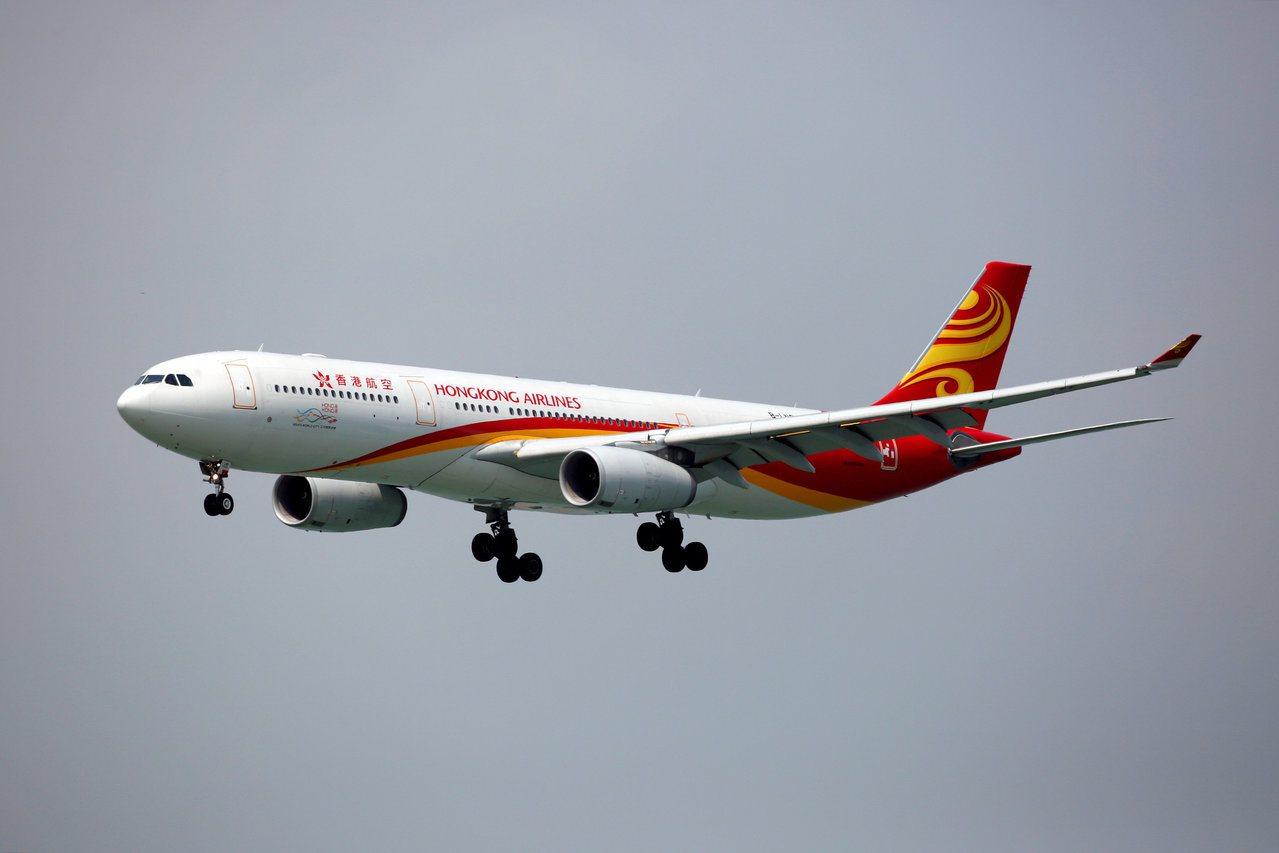 香港航空上週傳出財困,民航處其後表示關注其財政情況,包括日前未能支付全部員工薪酬...