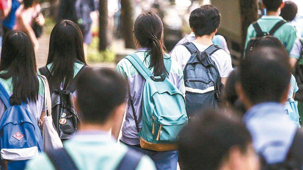技專校院參採高職習歷程檔案定案,分為課程學習成果、多元表現和修課紀錄三部分。 報...