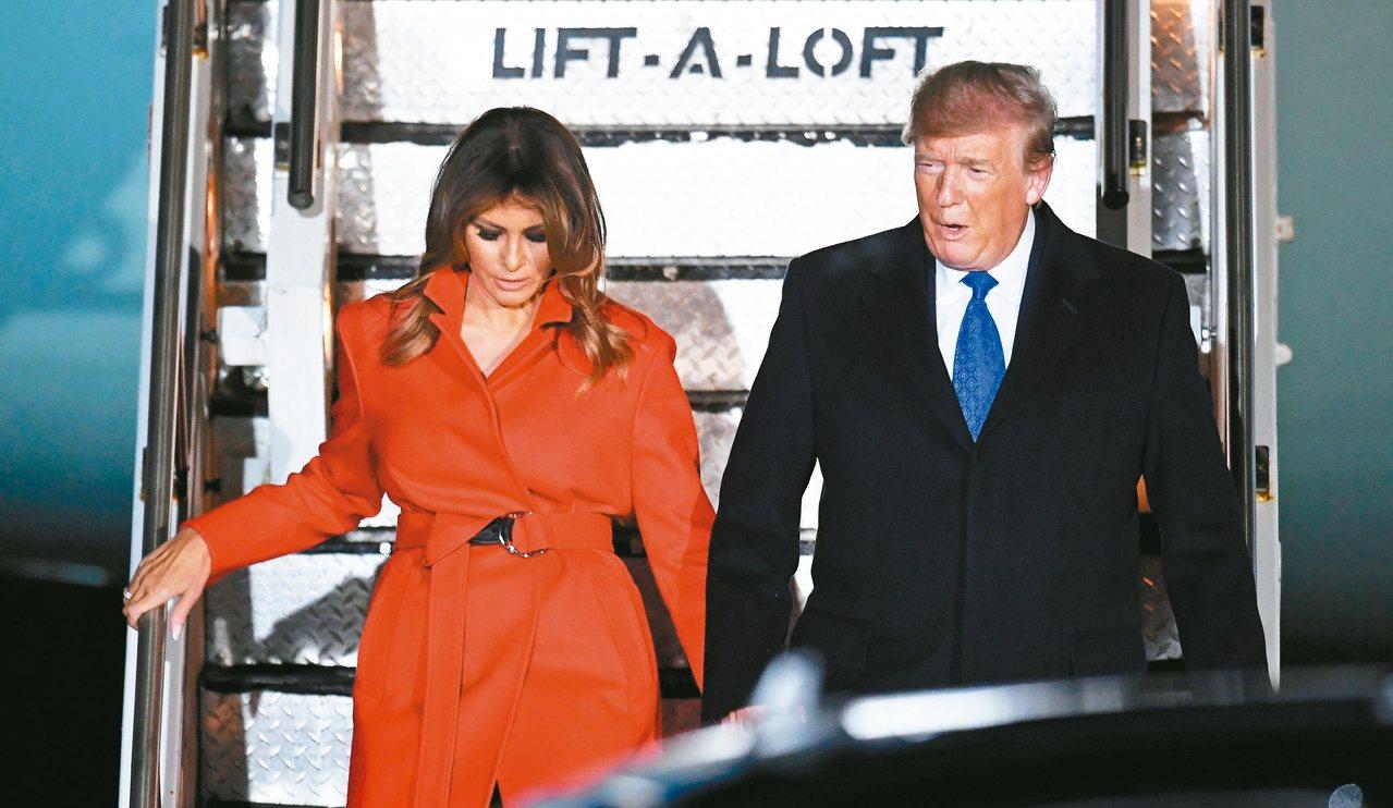 美國總統川普與第一夫人梅蘭妮亞2日抵達倫敦,川普將出席北約峰會。 歐新社