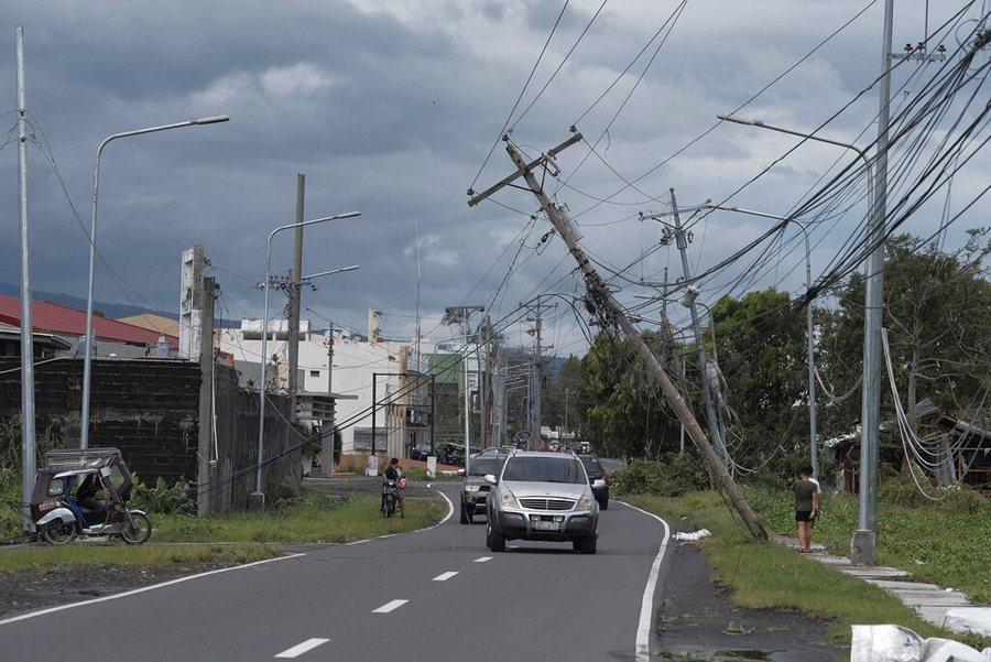 北冕颱風侵襲菲律賓。 美聯社