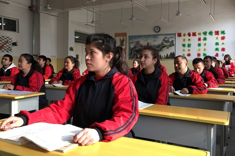 中國官方把進入再教育營的人們描述為「在思想上受到了不良思想的感染」。圖為新疆維吾爾自治區的再教育營。 圖/路透社