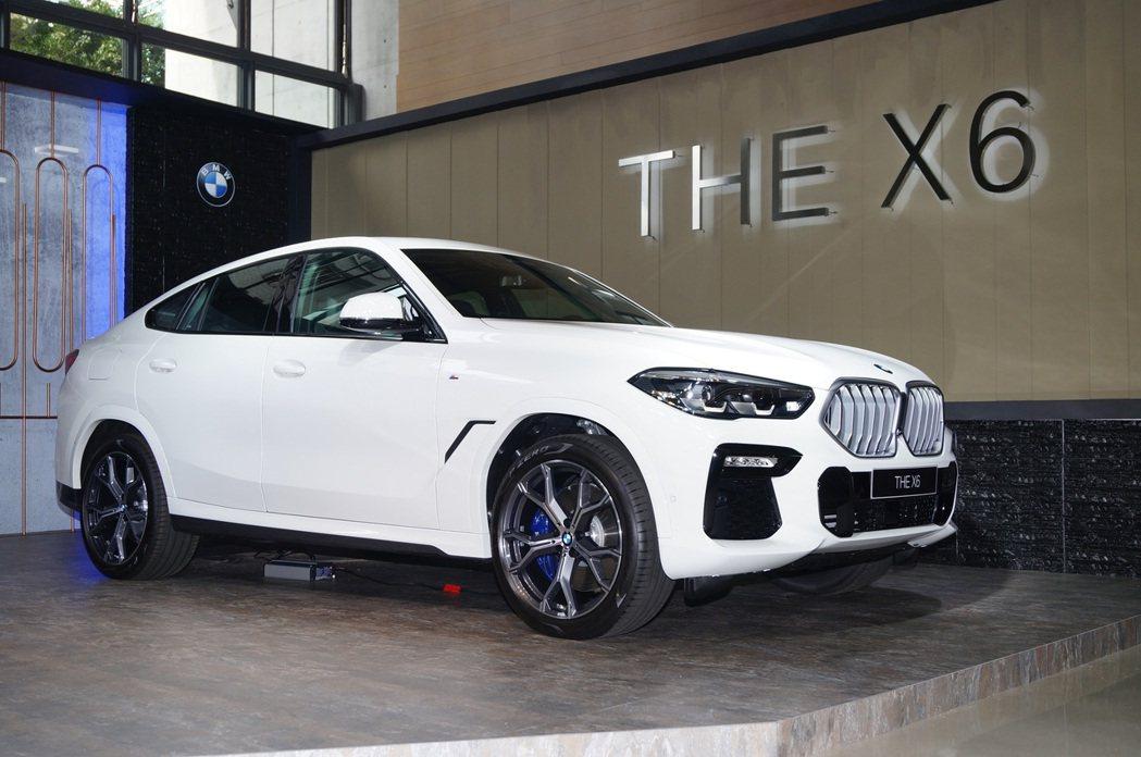 新衣戴BMW X6車長4,935mm、車寬2,004mm、軸距也加長至2,975...