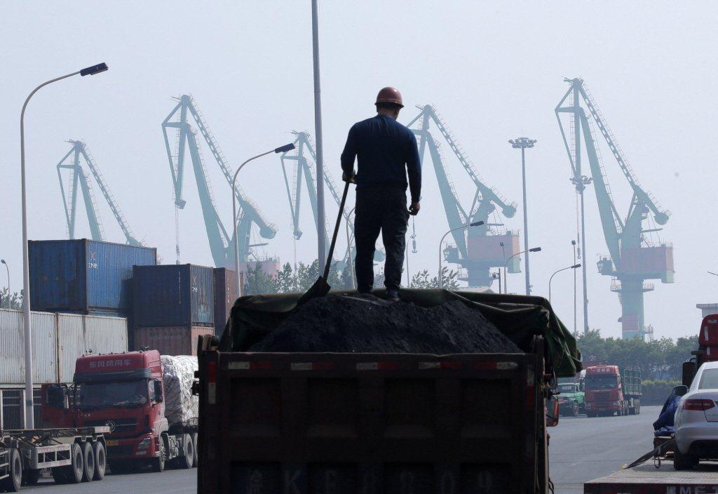 中國大型國企集團「天津物產」4月爆發財務危機,由於天津物產具重量級指標地位,此案顯示中共當局無力救助許多瀕危國企。 圖/路透社