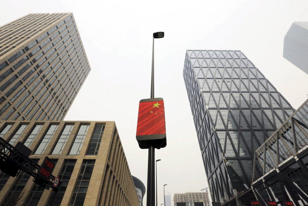 中共國企亂象惡化,幾乎放棄治療,已經成為綑綁中國的無形鎖鏈。 圖/路透社