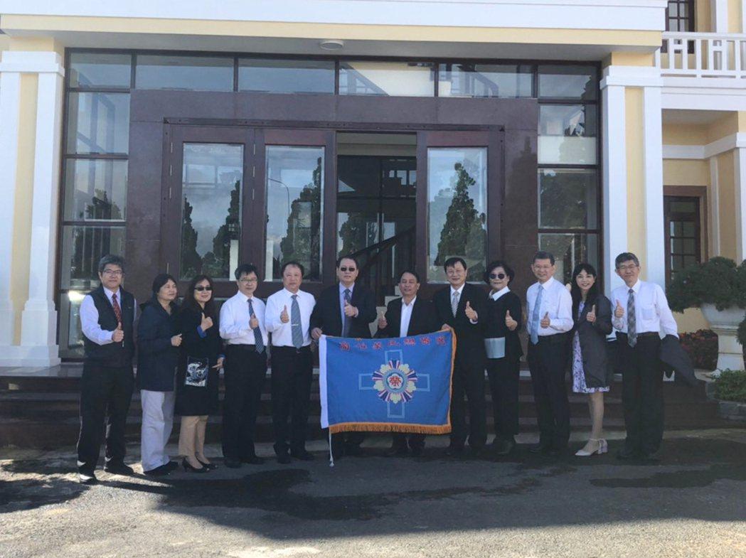 高雄榮總拜會越南林同省省會及醫療局。 高雄榮總/提供。