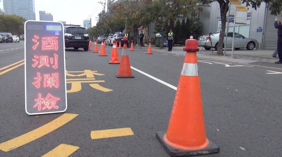 台中市警局交通大隊根據今年酒駕查獲案件數,觀察到有宿醉酒駕的狀況,提醒市民注意。圖/報系資料照
