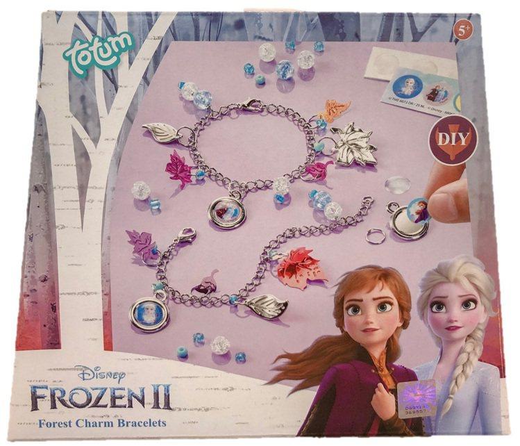 「冰雪奇緣2」手作系列-金屬手鍊組,售價299元。圖/全家便利商店提供