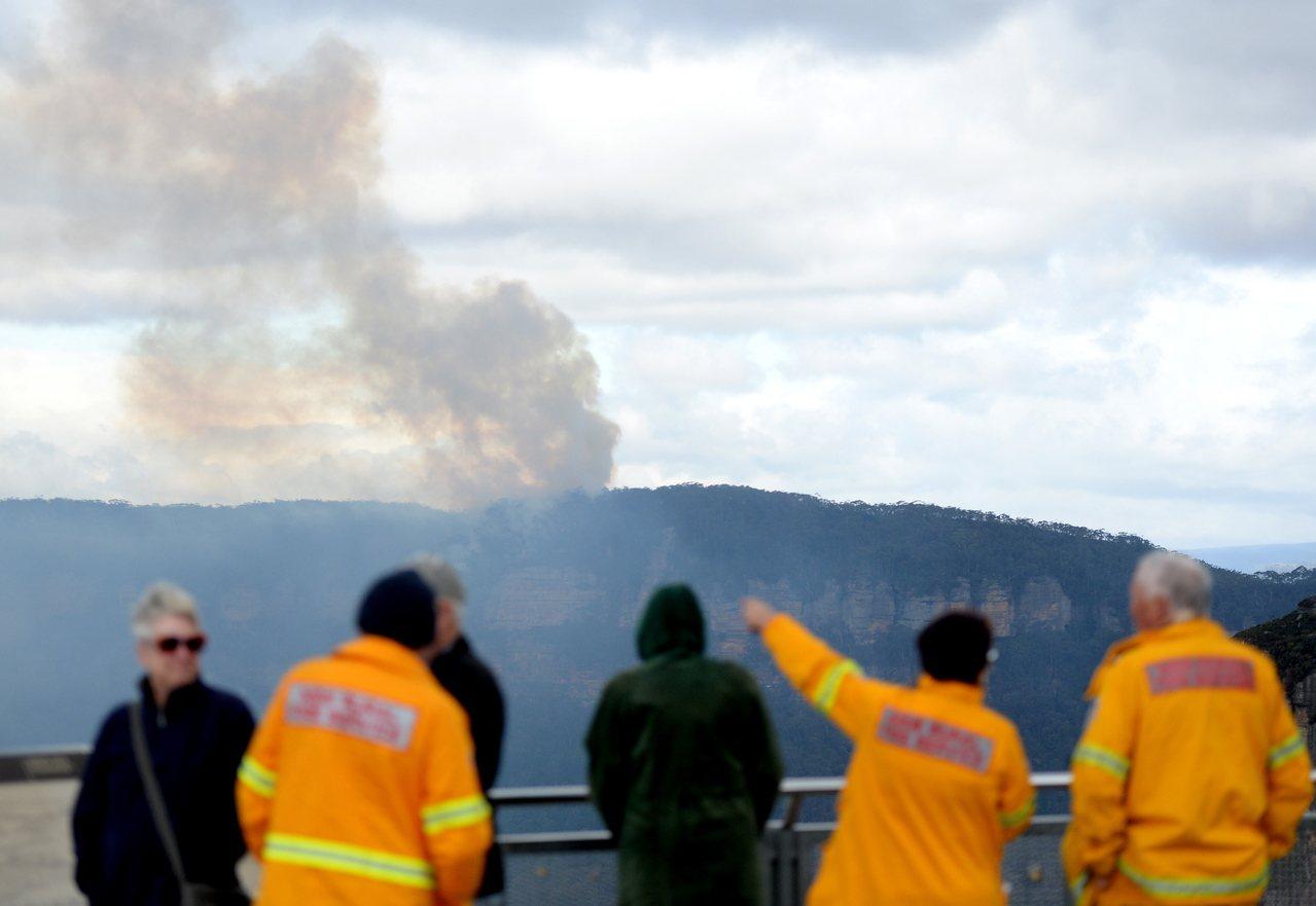 澳洲新省野火肆虐,被列為世界遺產的雪梨藍山國家公園有20%林地被燒毀。歐新社