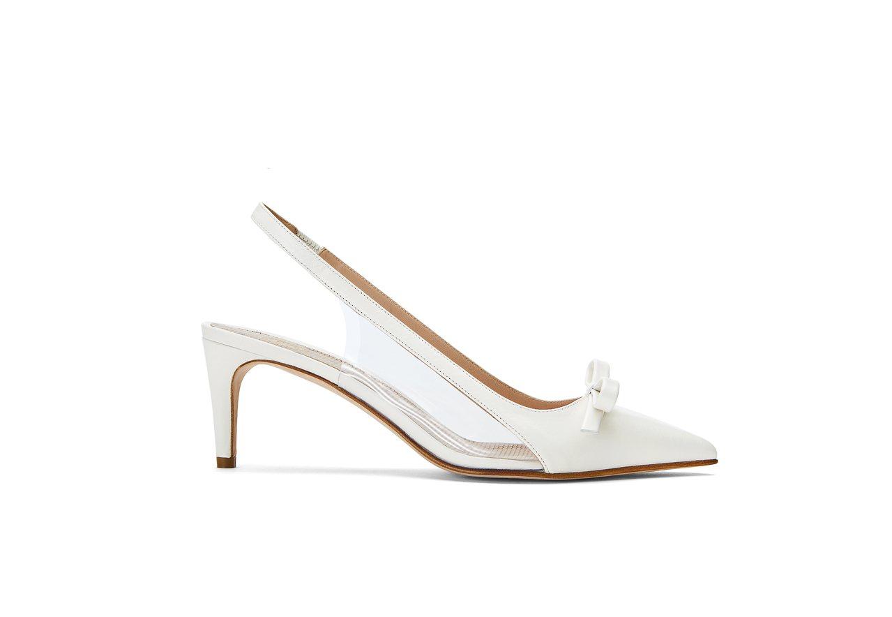 蝴蝶結裝飾繫帶高跟鞋,15,800元。圖/REDValentino提供