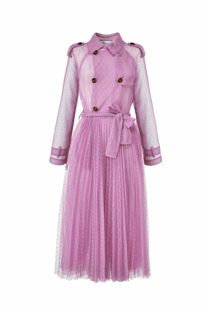 烏干紗細襇壓褶風衣,49,800元。圖/REDValentino提供