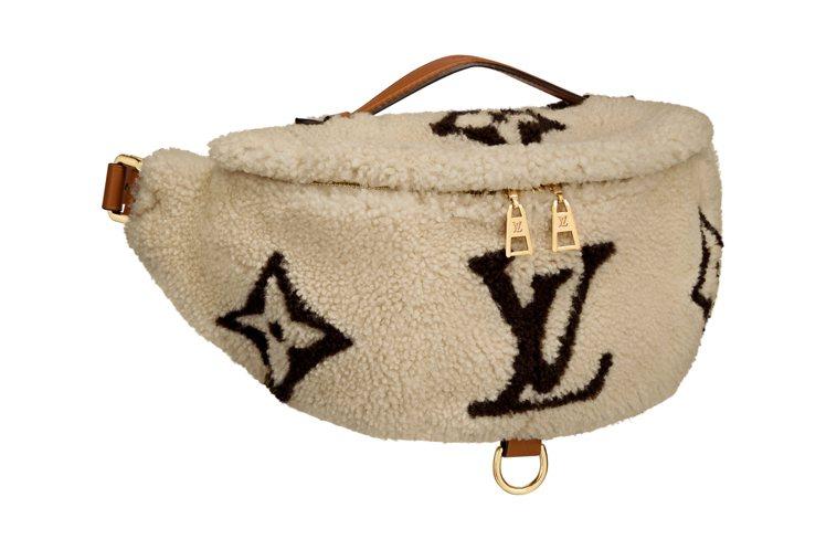 路易威登Bum Bag腰包,售價12萬6,000元。圖/LV提供