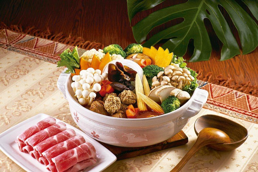 帶有異國風味的北海道湯咖哩,每份1,280元。圖/欣葉提供