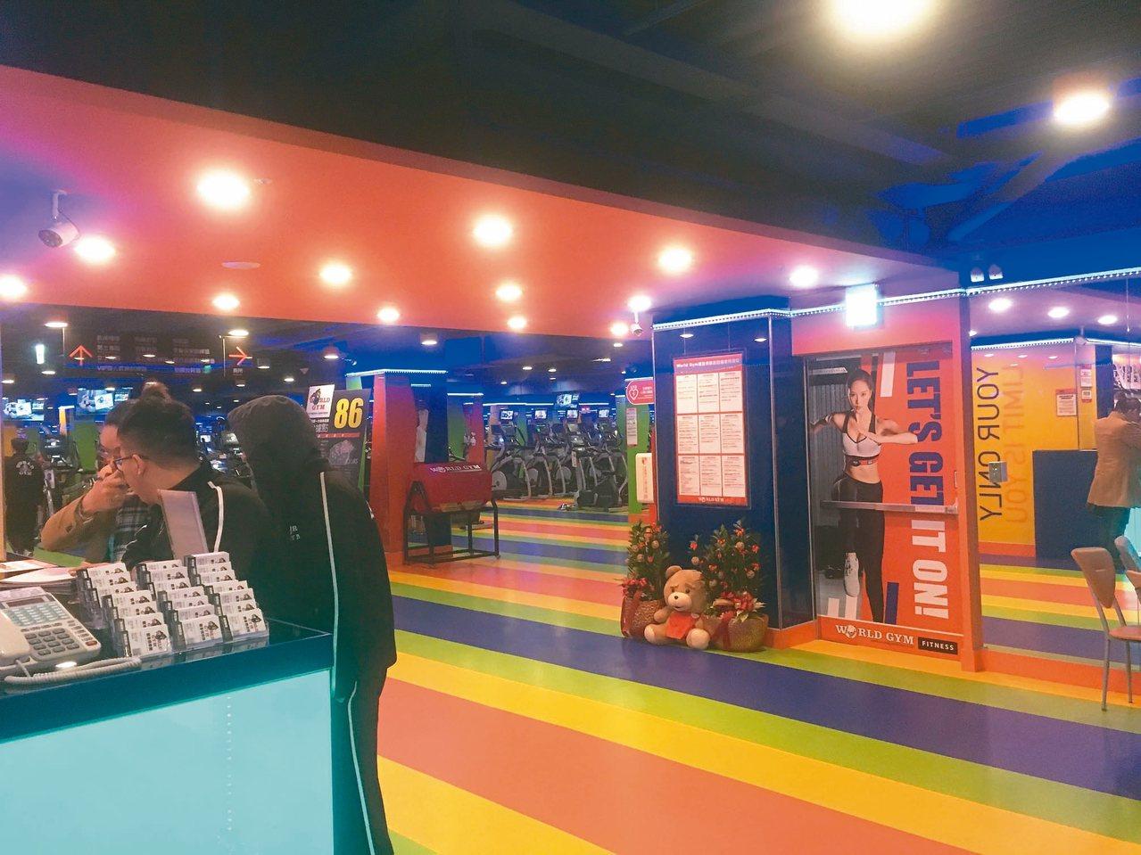 World Gym新設立的分店未完成竣工查驗就營運,被罰12萬元。 記者張世杰/...