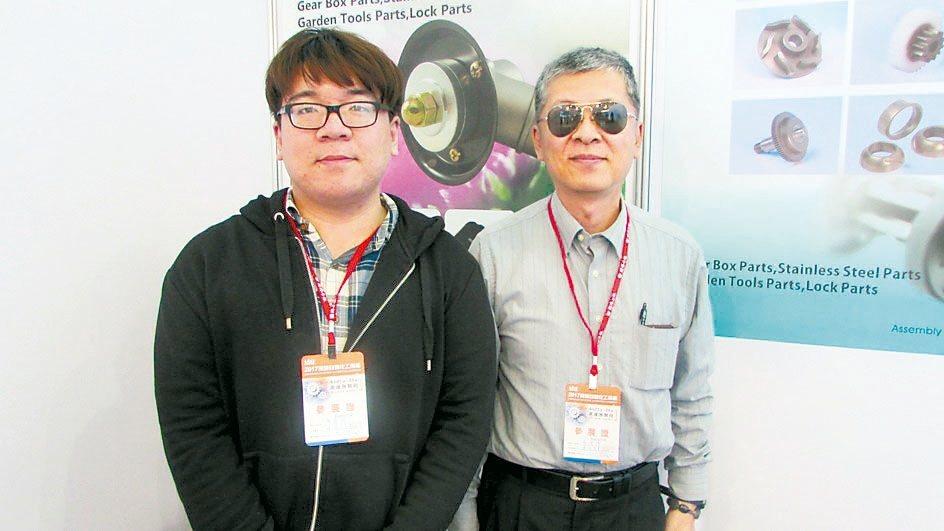 連鴻企業董事長廖偉博(右)。 翁永全/攝影