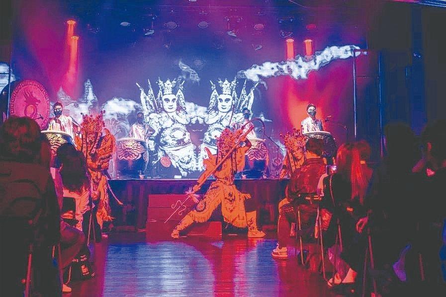 「末世重生」為必應創造與九天聯名發布的展演作品,作品不僅結合「4DViews」紀...