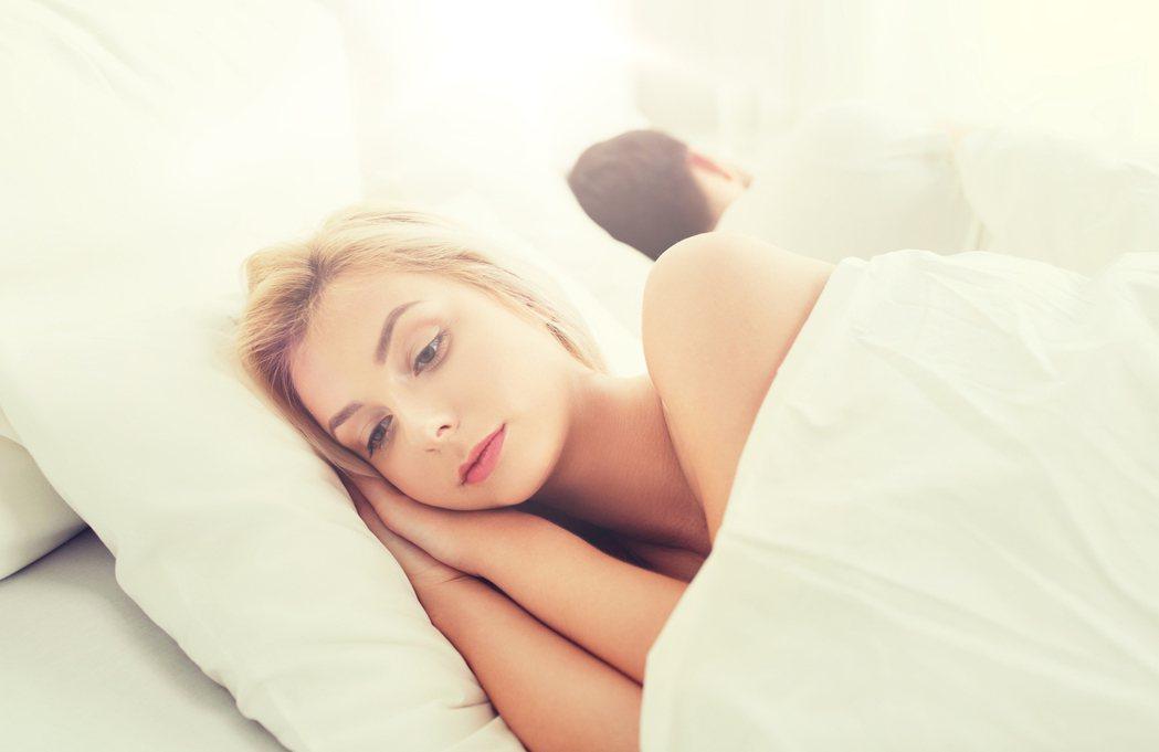 現代人壓力大,失眠問題愈來愈普遍。圖/ingimage