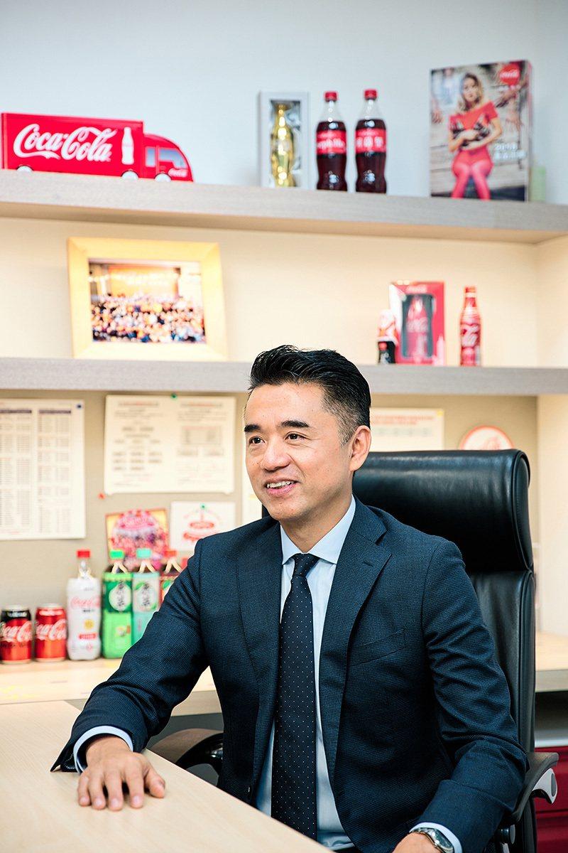台灣太古可口可樂總經理何蔚堃說,2014年可口可樂公司與台灣綠建築發展協會合作,...