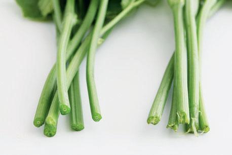 料理龍鬚菜時,撕去粗糙的纖維,口感較佳。 圖片提供/台灣好食材(攝影/王正毅)