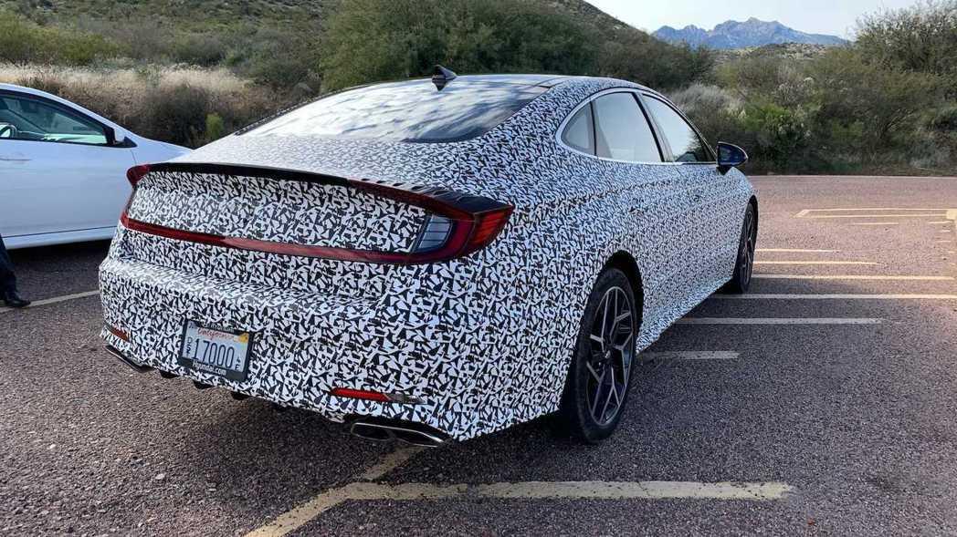 全新Hyundai Sonata N Line目前仍在測試中。 摘自Motor ...
