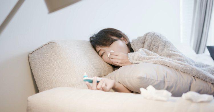 氣溫急速下降,咳嗽、打噴嚏、流鼻水等症狀經常伴隨而來。圖/常春提供