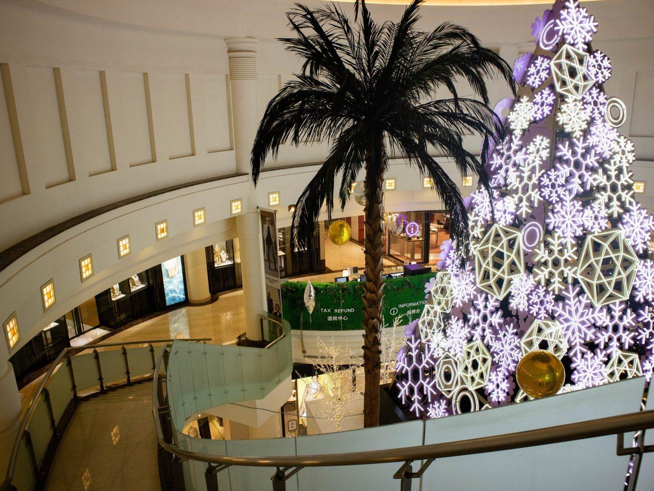 微風在耶誕祭推出歲末最後一檔滿千送百回饋。圖/微風提供