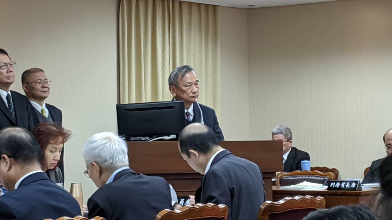 法務部次長陳明堂上午在立法院內政委員會備詢。記者蔡佩芳/攝影