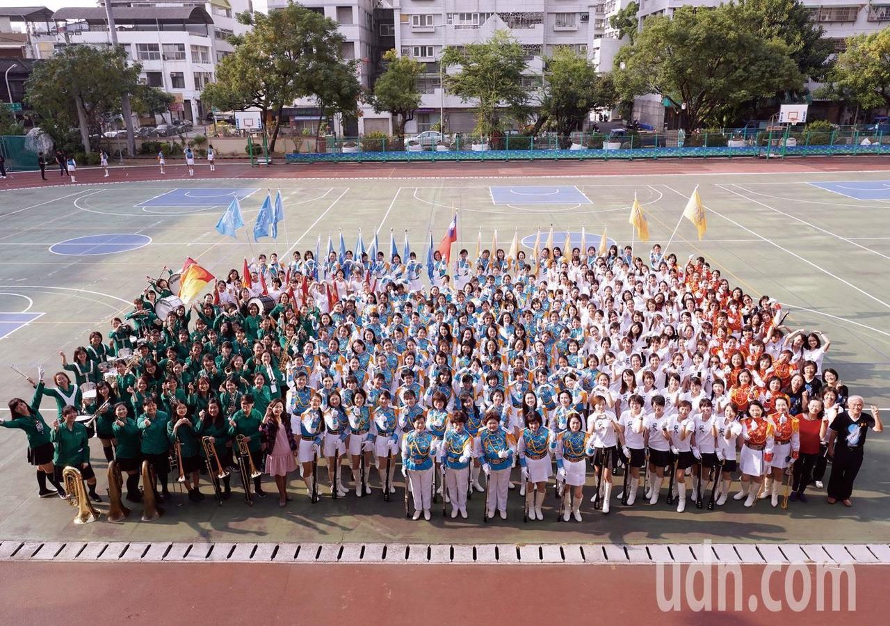 台中女中12月14日創校100周年,重頭戲是校友號召350名、58年歷史的儀隊、...