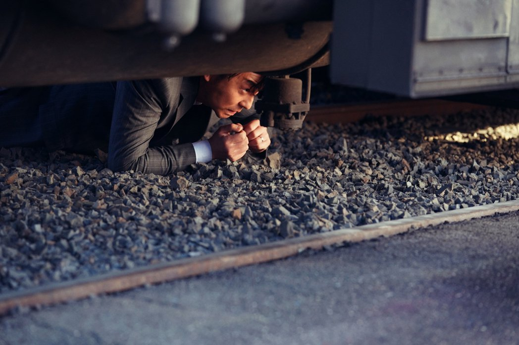「吹哨人」預計12月27日上映。圖/華映提供