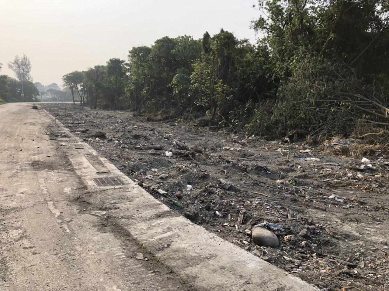 二林鎮今年查報50處髒亂點,地主配合改善。圖/二林鎮清潔隊提供