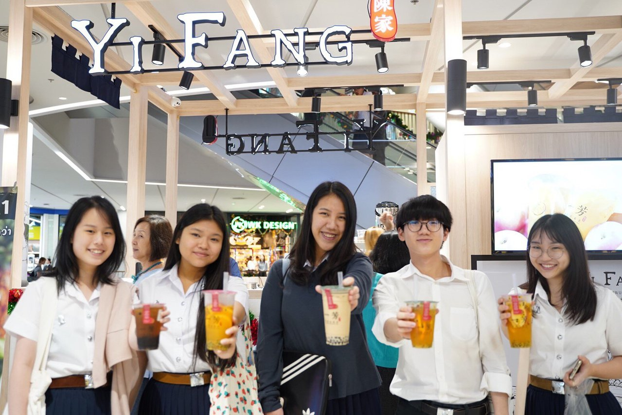 一芳泰國門市試營運以來,最受歡迎的飲品是招牌「一芳水果茶」,其次為「黑糖粉圓鮮奶...