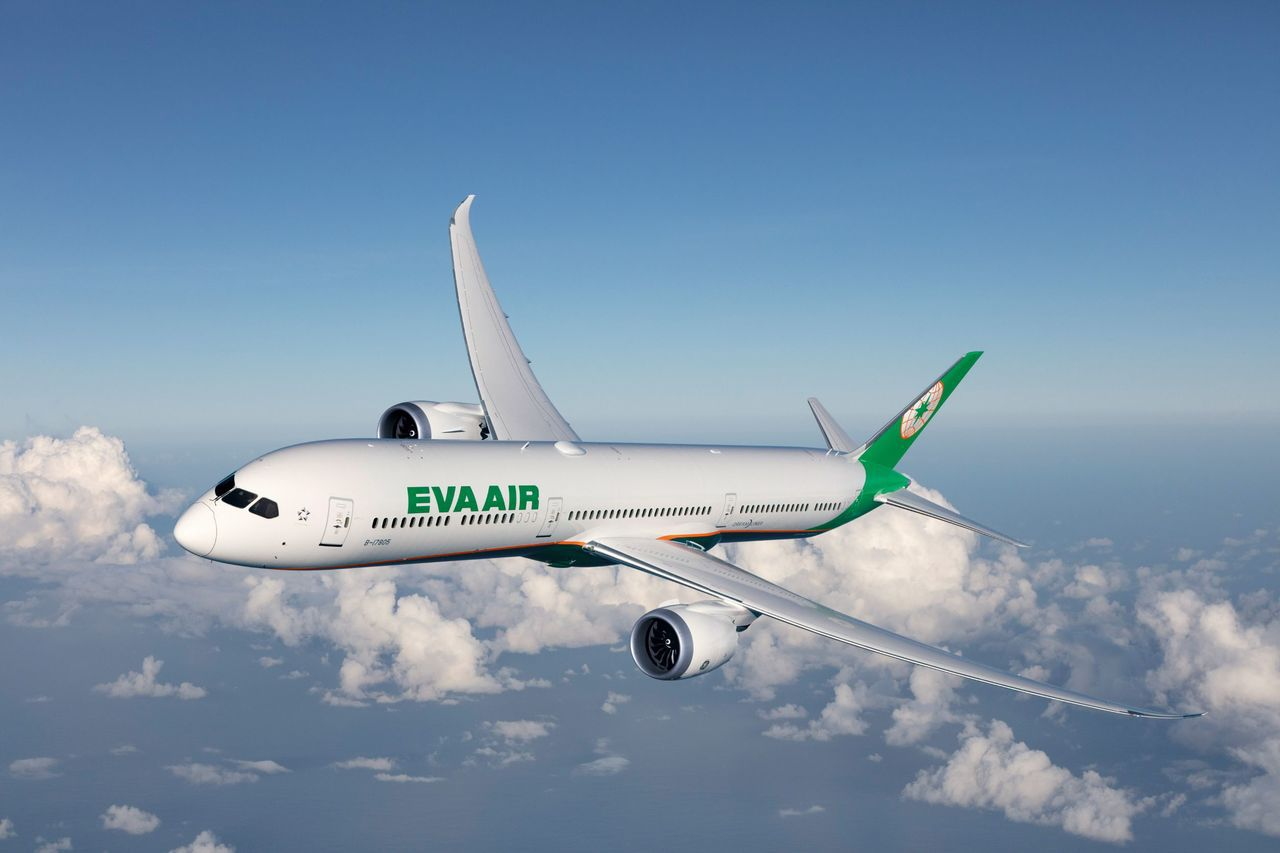 陸客來台人數大幅縮減,需求驟降,交通部官員認為現在連正班機都還有空位,預期加班機...