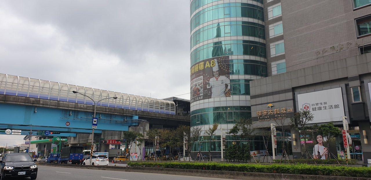 機捷預計明年第1季開通用信用卡支付過閘功能服務,屆時將成為北台灣第一個可用信用卡...