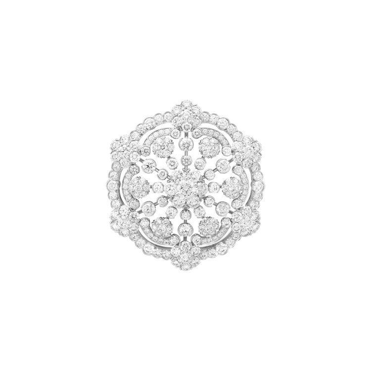 梵克雅寶,Diamond Breeze系列Snowflake胸針,價格店洽。圖/...