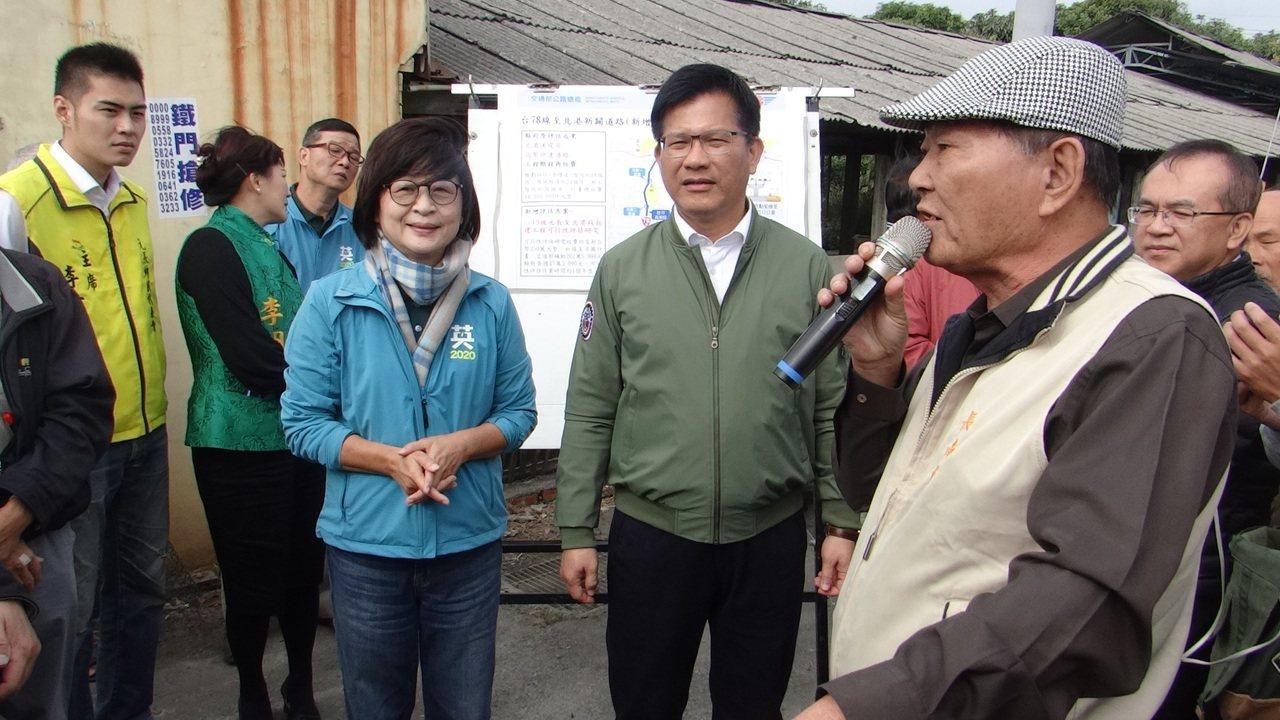 交通部長林佳龍(右二)視察雲林交通建設,聽取民眾心聲並強調78甲快速道路已進入評...