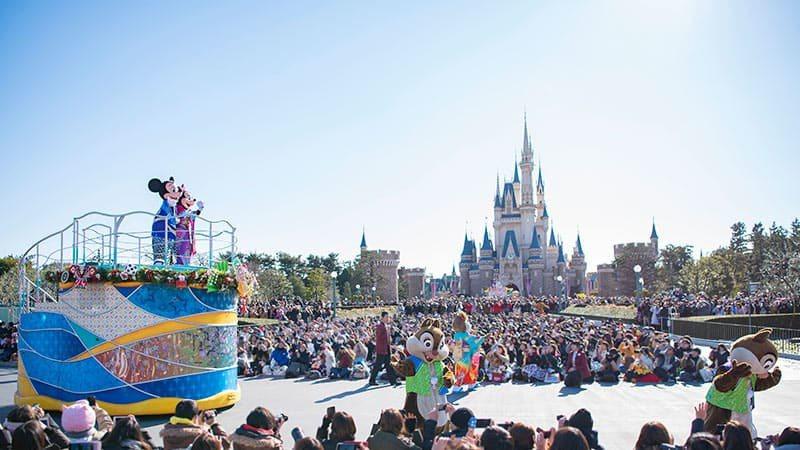 「拜年賀歲」遊行活動將於1月1日至1月5日期間登場。圖/取自東京迪士尼度假區官網