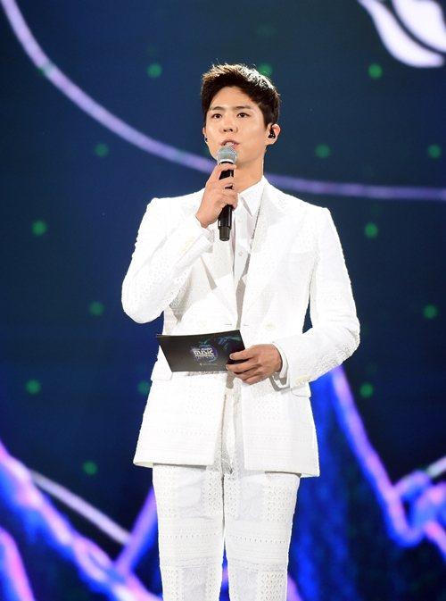 朴寶劍連續第3年主持MAMA頒獎典禮。圖/摘自微博